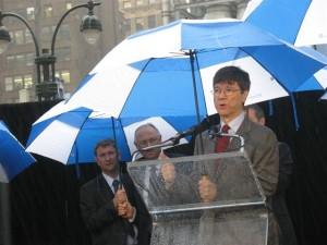 Earth Institute Director Jeff Sachs speaking at the launch