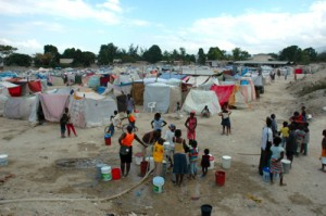 Citée Renault camp for displaced people at the edge of Port-au-Prince. Joe Lowry / IFRC