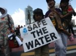 Neighborhood activists gathered in Central Jakarta to call for clean and accessible water on World Water Day 2011