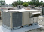 Rooftop air conditioning units cool 80 percent of commercial buildings in the U.S. 2009. Photo by P199 via WikiCommons