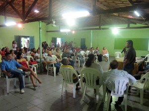 The town hall meeting at the community center in Milhã.