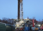 Natural gas drilling rig in Roulette, Pennsylvania. Source: Wikimedia Commons