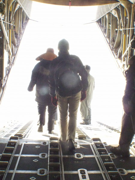 Leaving the plane to set up the GPS (Image R. Bell)