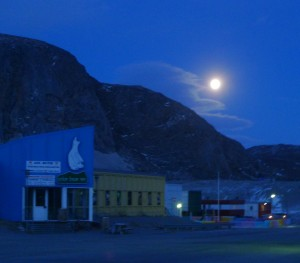 Full moon rising over Kangerlussuag at the start of the April 26th Holiday. (Image M. Turrin)
