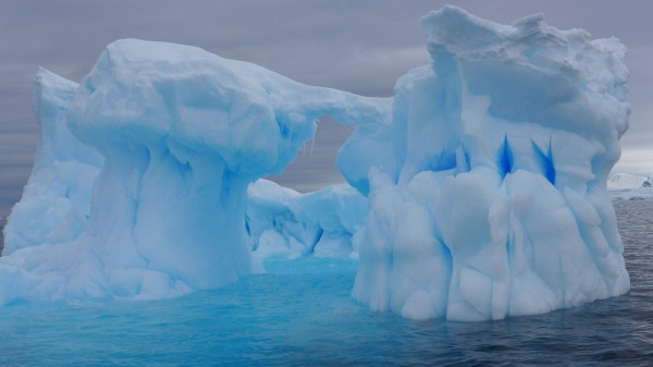 The color of the ice is a turquoise blue that seems unearthly. (Photo M Turrin)