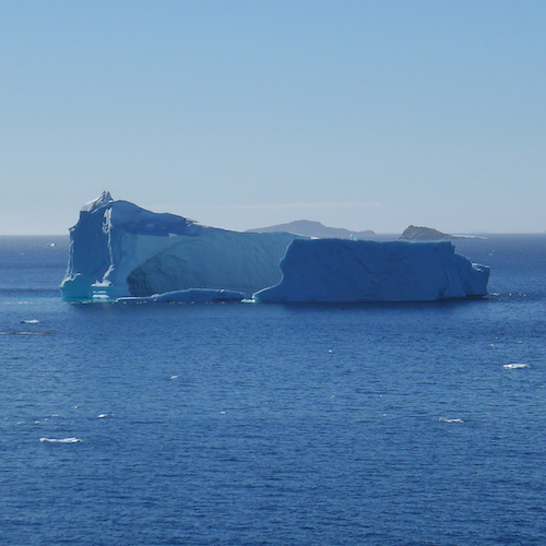 Large Iceberg on the waterfront (Photo M. Turrin)