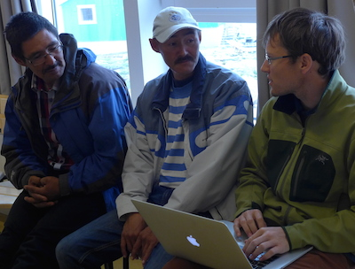 Magnus and Gabriel meet with Dave to discuss the planning for our measurements. (Photo M. Turrin)