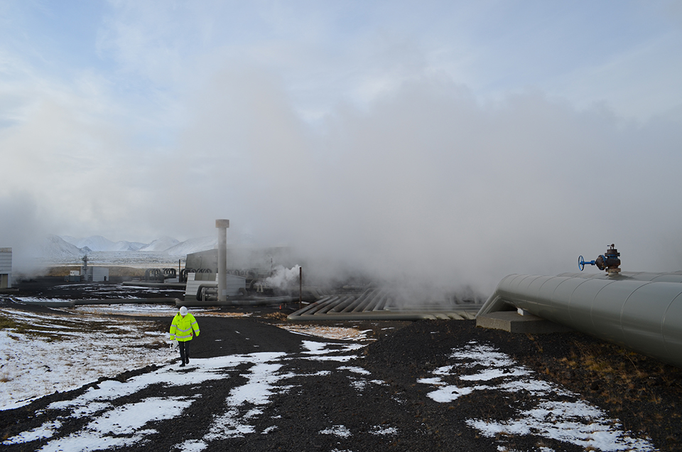 Ninety-nine percent of Hellisheidi's emissions are harmless steam. But it also vents volcanic gases—mainly 40,000 tons of carbon dioxide a year, and powerful whiffs of hydrogen sulfide, which sometimes plague Reykjavik. With government cracking down on emissions, the plant is creating a system to get rid of both gases.