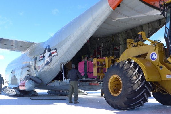 Loading the gravity meter on loan from the Kiwi for the Antarctic test flights. (Photo R. Bell)