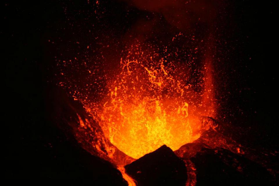 RR eruption 960