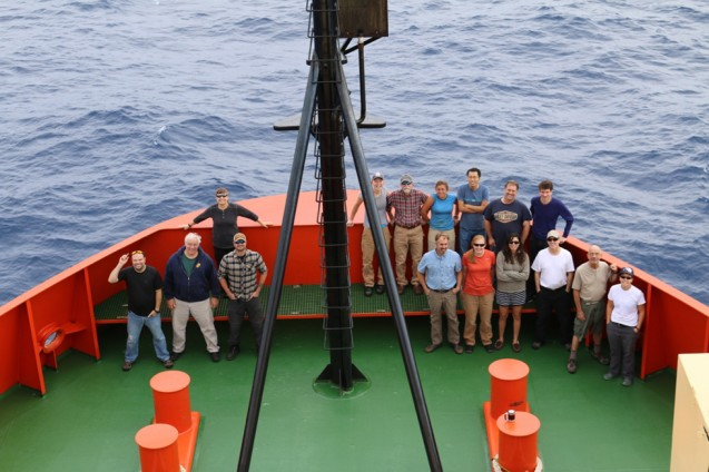 The scientific crew onboard of the Nathaniel B. Palmer during DoMORE2 (Photo: L. St. Laurent)