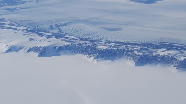 Crossing the Transantarctic Mountains on the flight to South Pole. (Photo N. Brady)