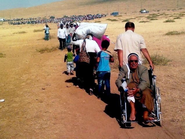 Syrian Kurdish refugees enter Turkey.  Photo: EC/ECHO