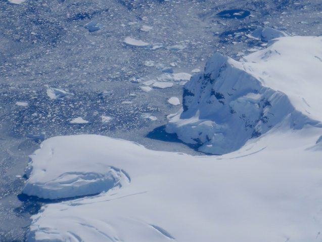 Along the edge of the Antarctic Peninsula. (photo M. Turrin)