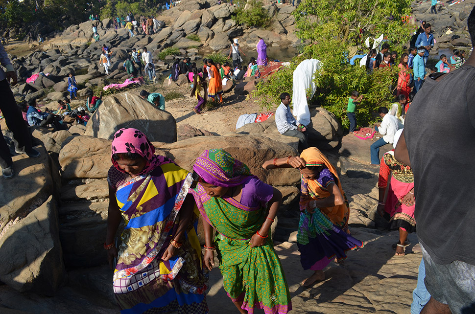Forest dwellers have been scattered, but ancient rituals persist. On January 14, Kanha-area residents reunite just outside the park at the Banjar River to celebrate the festival of Makar Sankranti, marking the end of winter. The tradition is said to go back at least 2,000 years.