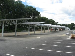 Solar carport project at William Patterson University in NJ. Photo: Bob Pegnato