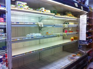 hurricane supermarket shelves