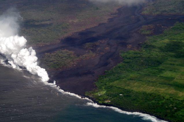 lava steam kilauea
